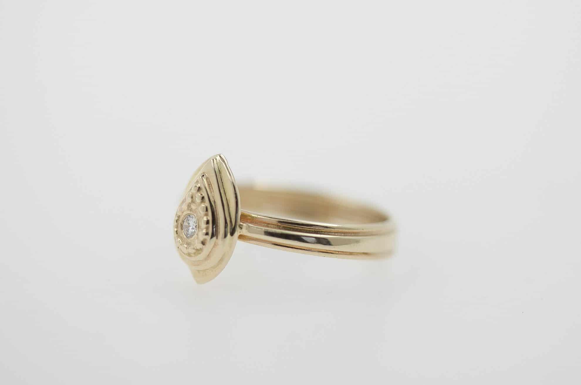14k gold, 2mm white diamond